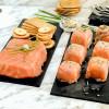 Pastelitos de salmón y crema de anchoas