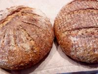 Pan de masa madre y semillas