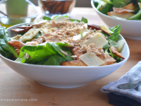 Ensalada de espinacas con foie y parmesano