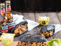 Pan negro con tinta de calamar y bocadillo de chipirones