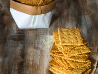 Crackers de harina de garbanzos y tahini