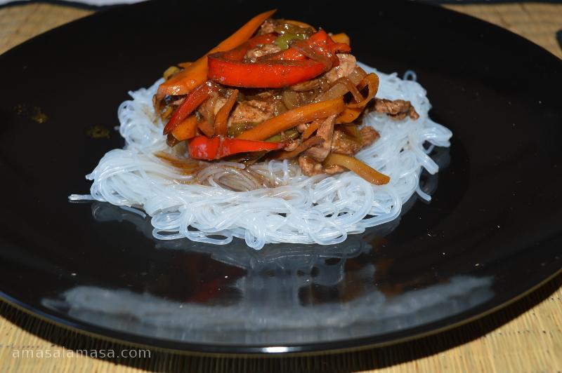 wok con fideos chinos portada